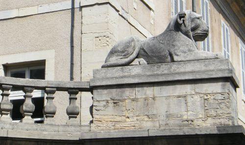 Dijon - Lion allongé - Rue Chabot-Charny