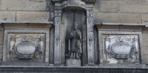 Dijon - Saint-Eloi au-dessus d'une galerie d'art
