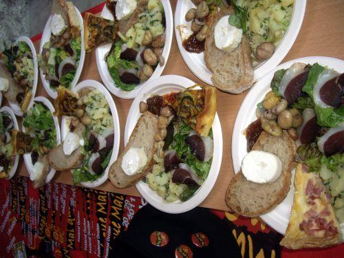 assiettes gourmandes  repas Colombières