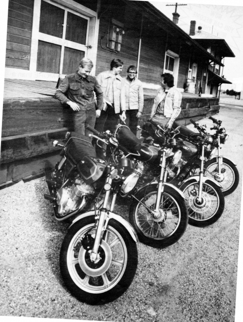 Cycle may 1977 a283.jpg