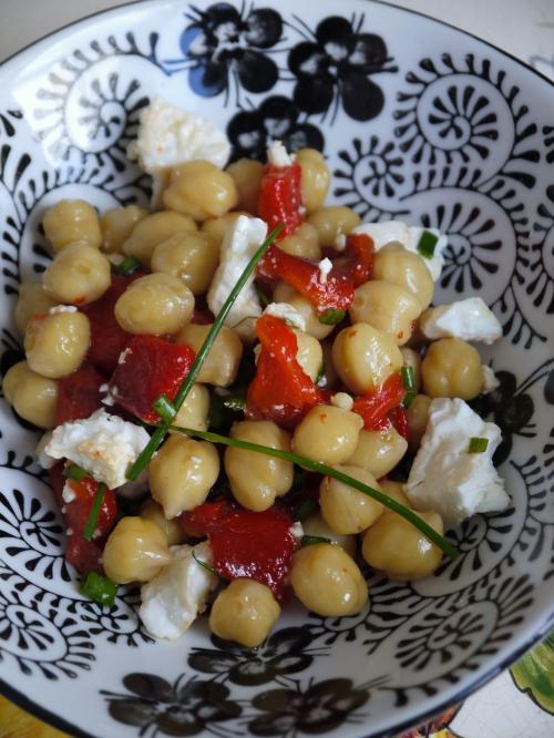 Salade de pois chiche au poivron grill et la feta foodlolo - Salade de poivron grille ...