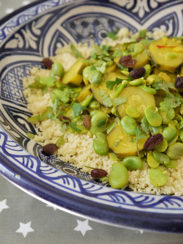 Tagine de f ves et courgettes la semoule de couscous - Cuisiner feves fraiches ...