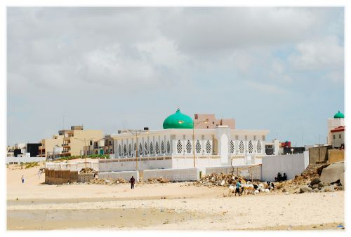 Mausolée sur la plage de Yoff