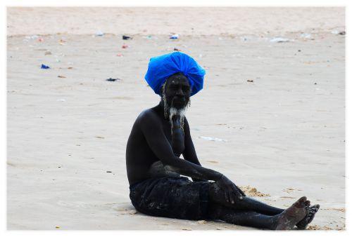 Rencontre sur la plage de Yoff