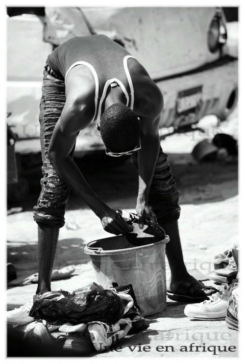 Nettoyeur de chaussures d'occasion