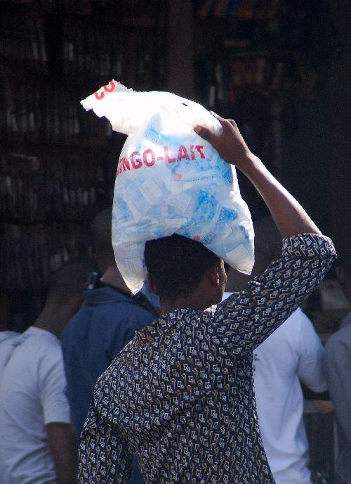 Vendeur de lait (Congo Lait) !