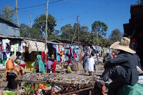 Petite ruelle au marché permanent, Addis A.