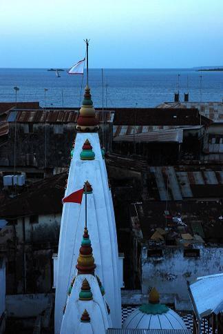 Minaret, nuit tombante - Stone Town