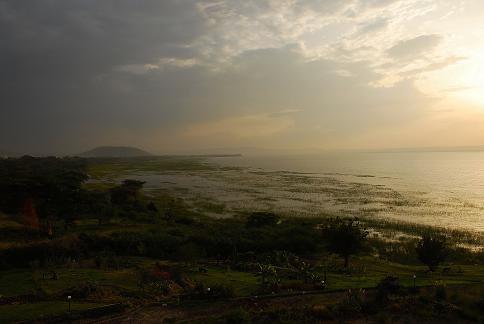 Lac Awasa en fin de journée  -Octobre 2010