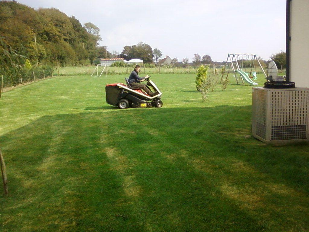 Photos entretien de jardins en cheque emploi service for Emploi entretien jardin