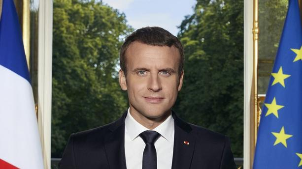 portrait-officiel-macron-3dfe6f-0@1x.jpeg