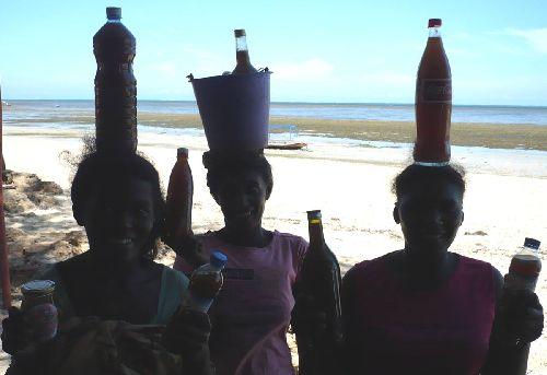 99 ZZJA - Vendeuses de miel de Baobab