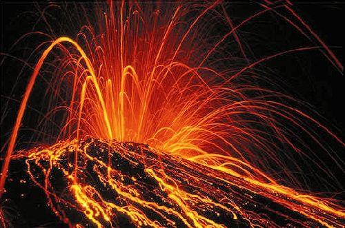 31.03.2009 - Volcans . Le Krakatu en Indonésie