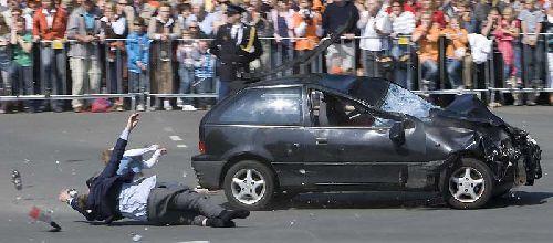 30.04.2009 - Il fonce dans la foule