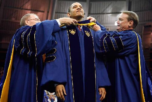 18.05.2009 – Les Variétés : Mr Barack OBAMA : Doctorat Honoris Causa