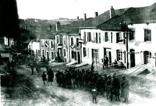 Entr.Troupes Moulin 1918020.jpg