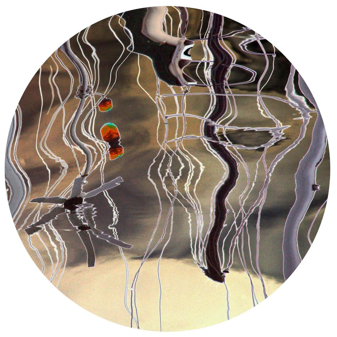 Acqua-reflets 219-PM sur toile ronde 70cm vernie.