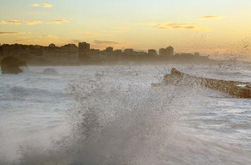 la baie de Biarritz sous la tempête