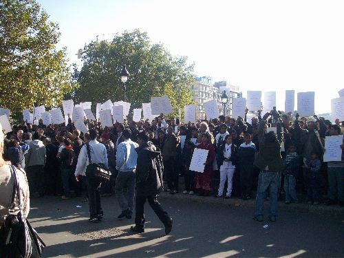Rassemblement des Sri-Lankais de France pour défendre leur peuple opprimé par l\'Inde - Place de la Bastille - Manif Interdite par les Autorités Françaises