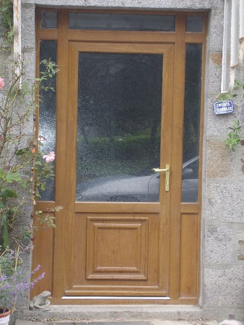 Front Door Upvc - oak woodgrain effect