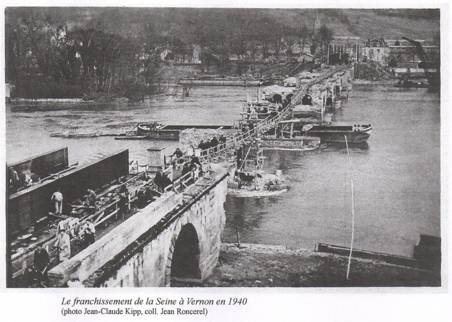 Franchissement Seine Vernon 1940.jpg