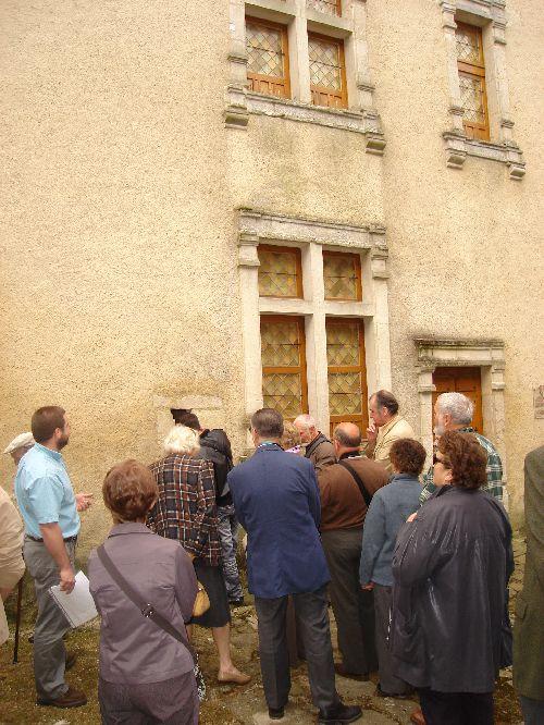 Sortie du 13 juin 2009 : la présentation d l\'hôtel de Chevry du XVI e siècle à Fresnaye-sur-Sarthe