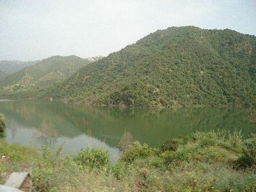 vue sur le barrage de taksebt