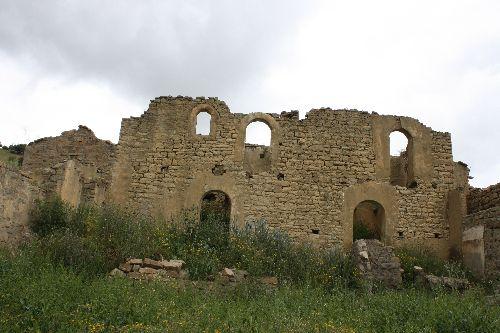 - Devanture d'une ancienne maison à Hélwan