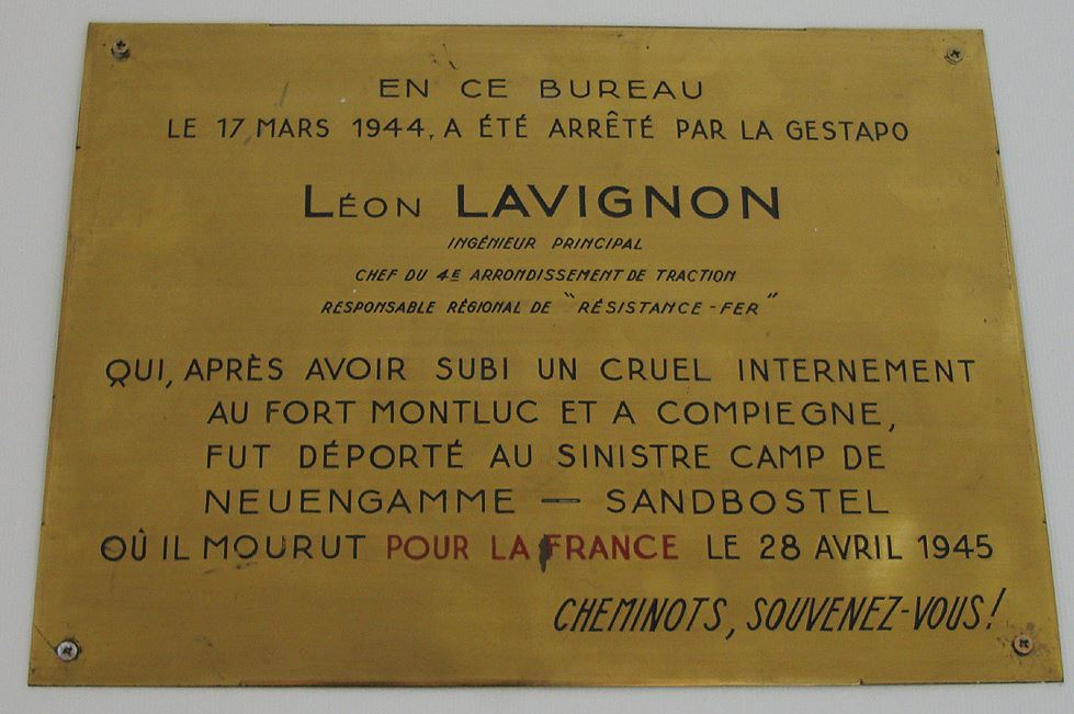 LAVIGNON LEOON PLAQUE BUREAU.JPG