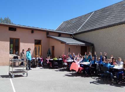 Repas terrasse-17-5-16-All.jpg