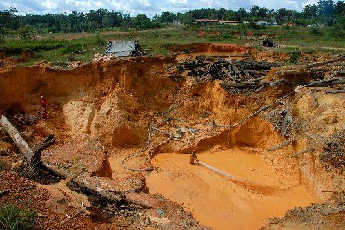 Parfois les trous creuser par les chercheurs sont considérable.