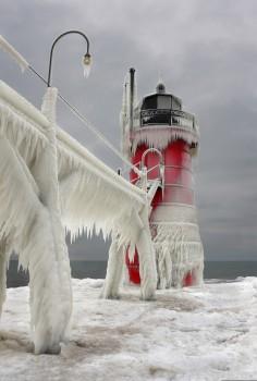 Leuchttürme komplett zugefroren (6).jpg