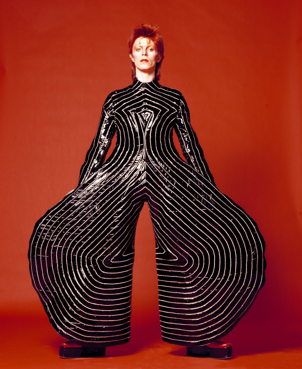 Striped_bodysuit_for_Aladdin_Sane_tour_1973_Design_by_Kansai_Yamamoto_Photograph_by_Masayoshi_Sukita__Sukita_The_David_Bowie_Archive_2012.jpg