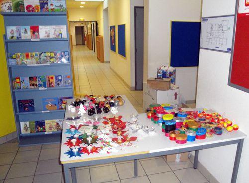 La vente des objets confectionnés par les enfants