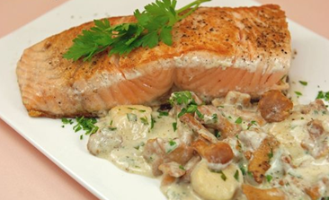 Pavés de saumon aux Saint-Jacques et girolles 1.PNG