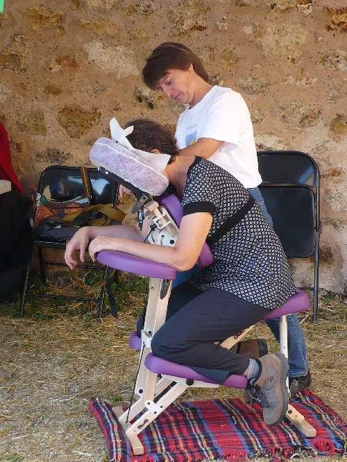 Virade 2009 - Château de la Madeleine - Stand Massage Amma