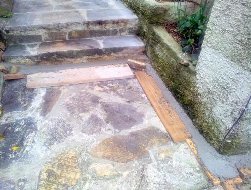 Bardage ciment gaines escaliers maison 8 fév 14.jpg