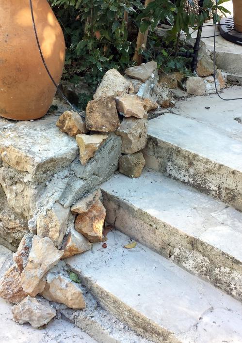 Poursuite ciment escalier piscine 24 fév 14.jpg