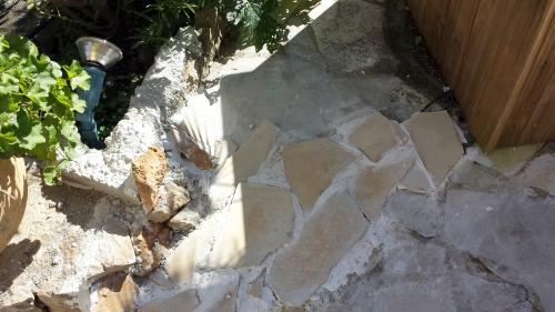 Dalles escaliers entrée 24 fév 14.jpg