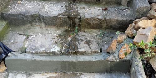 Ciment escalier cuisine 24 fév 14.jpg