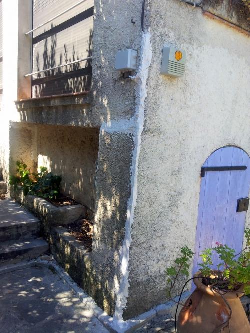 Vue angle mur bas maison 17 août 14.jpg