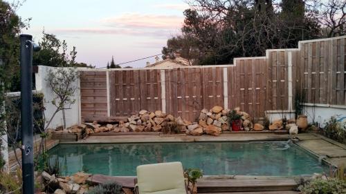 Piscine nettoyée avec coucher soleil 27 mars 15.jpg