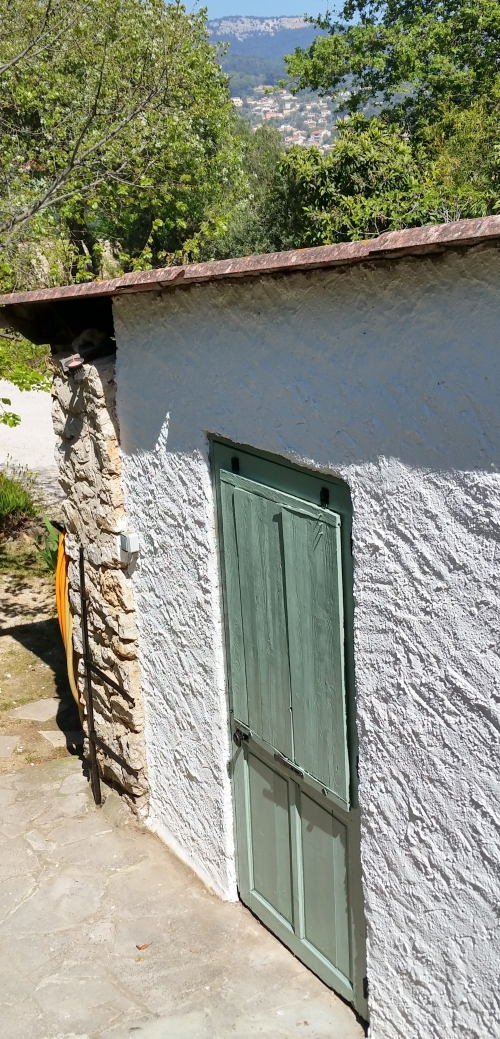 Porte garage avec cache repeinte 13 avril 15.jpg