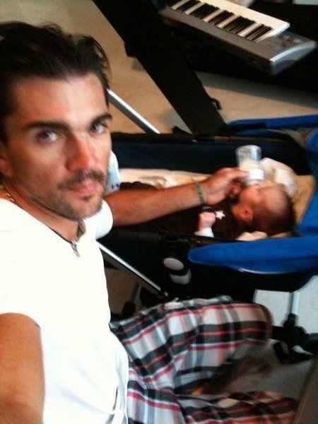 Juanes & le petit dernier de la famille :)
