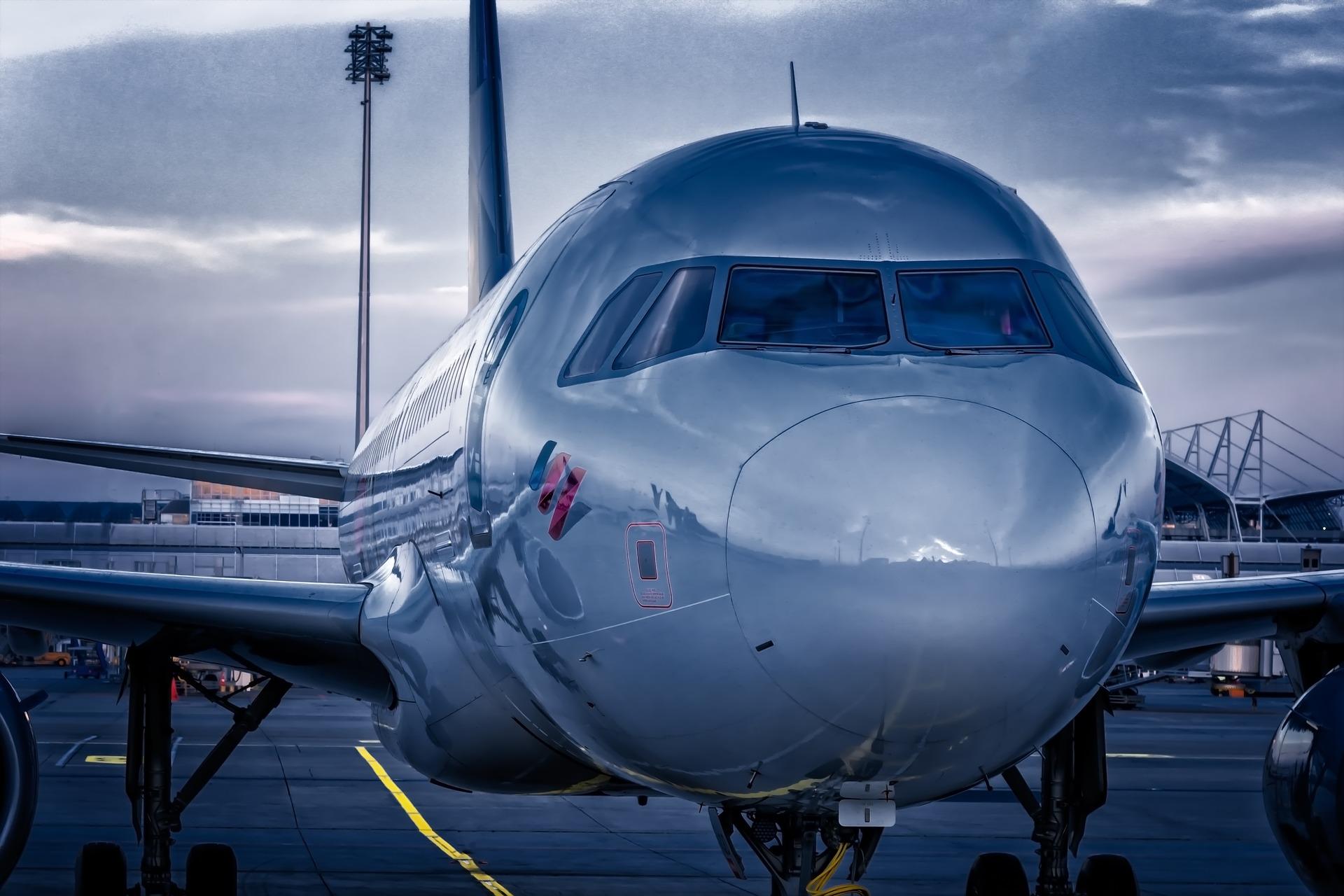 aircraft-3761684_1920
