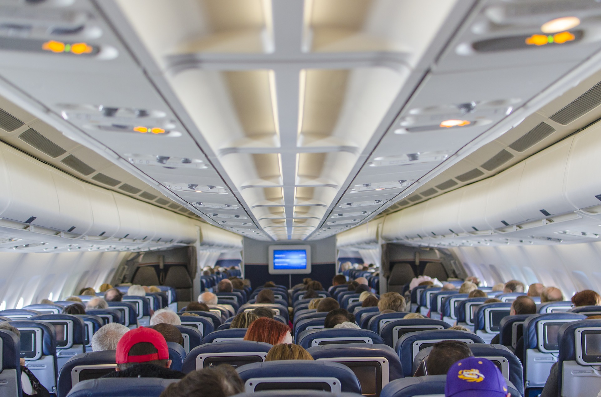 airplane-seats-2570438_1920
