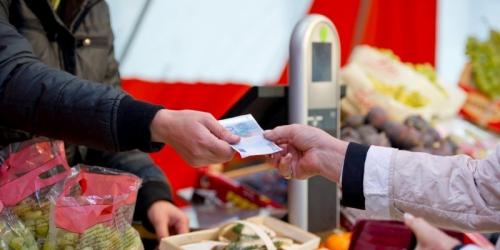 les-prix-a-la-consommation-ont-baisse-de-0-4-par-rapport-a_2490879_800x400.jpg