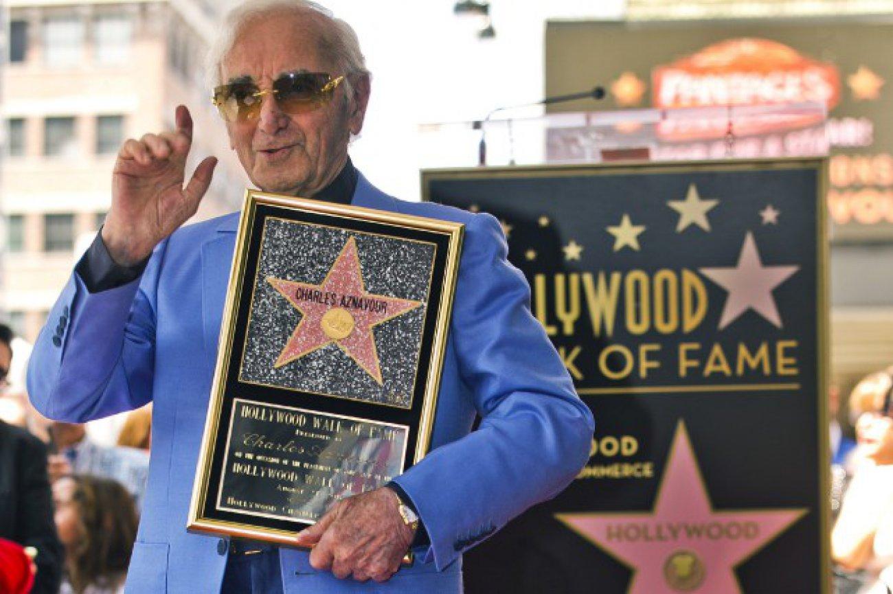 charles-aznavour-obtient-son-etoile-sur-le-walk-of-fame-284205.jpg