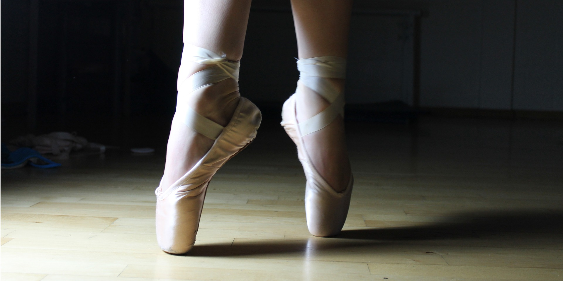 ballet-feet-2037861_1920