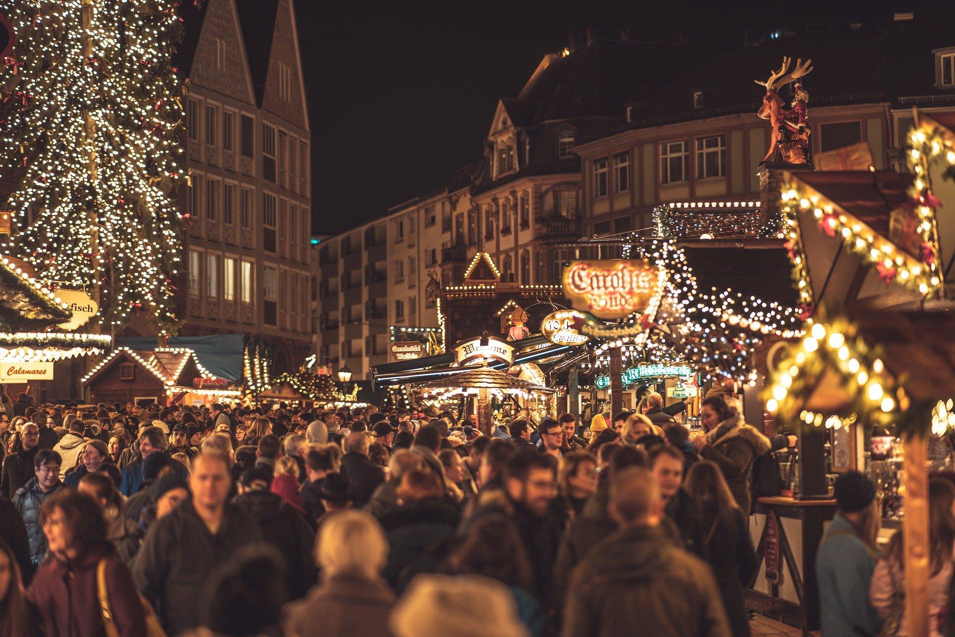 christmas-market-4705877_1920
